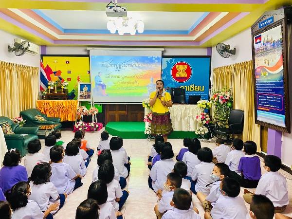 วันสุนทรภู่สู่วันภาษาไทย